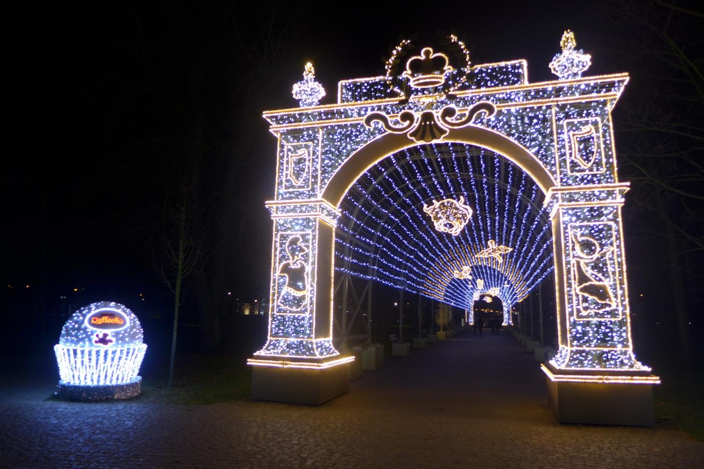 Królewski Ogród światła Wilanów Clepatches