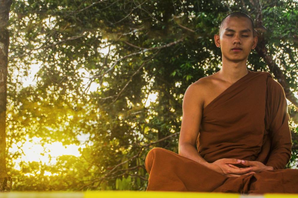 meditate-2105143_1920.jpg