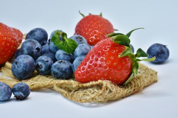 strawberries-3123491_1920